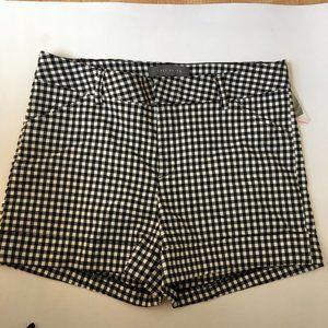 Suzy Shier Shorts Size 11 / 12 Black & White Check
